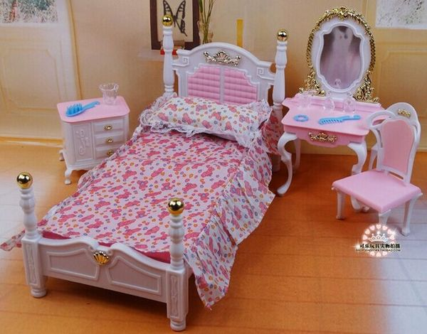 Спальня для кукол