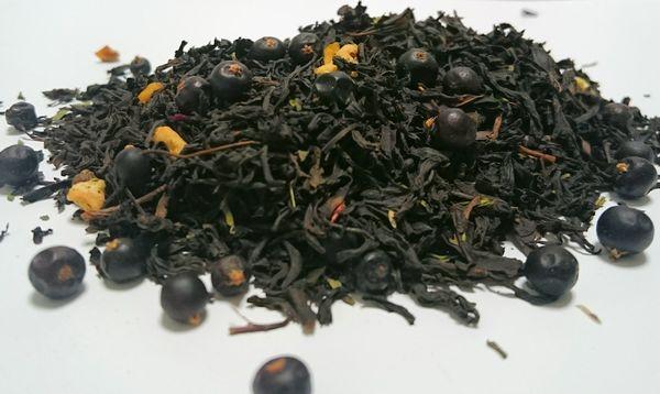 Черный чай с добавками можжевельника
