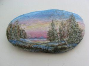 Рисунки на камнях акриловыми красками: советы для начинающих
