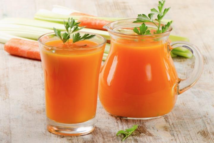 Морковный сок полезен для зрения и от насморка