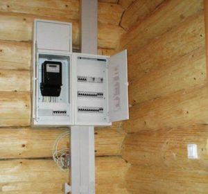 Открытая электропроводка в деревянном доме своими руками: пошаговая инструкция